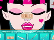 play Draculaura Nose Surgery