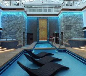 play Eight Escape From Norwegian Cruise
