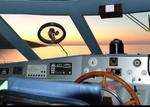 play Eight Escape From Motor Yacht Bert Venezia