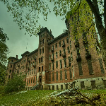 Escape From Haunted Sanatorium game