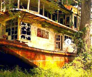 Abandoned Towboat Mamie S. Barrett game