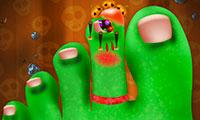 play Crazy Halloween Nail Doctor