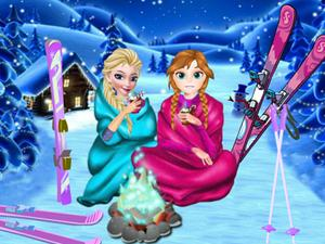 play Frozen Sisters Winter Holiday Dress Up