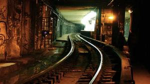 play Escape From Train Subway Tunnel