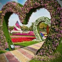 play Valentine Garden Escape