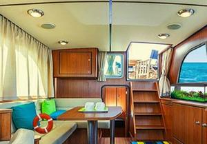 Luxury Boat Escape game