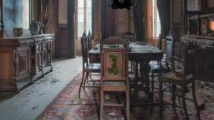Abandoned Antique House Escape game