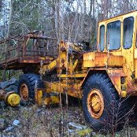 play Abandoned Heavy Equipment Escape