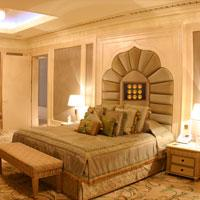 play Emirates Palace Escape