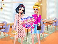 Princesses Hot Date Fun game
