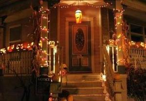 Halloween Front Yard House game